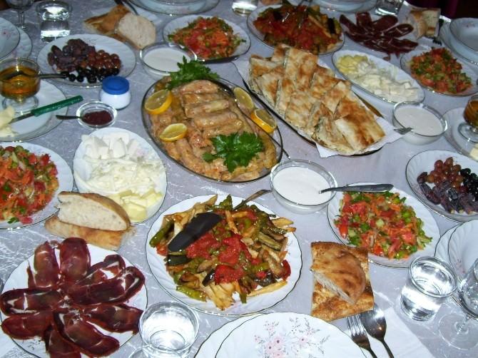 Halk Sağlığı Müdürlüğü'nden Ramazan'da Beslenme Uyarısı