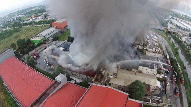 Kocaeli'de Yanan İki Fabrikada Alevler Yeniden Yükseldi