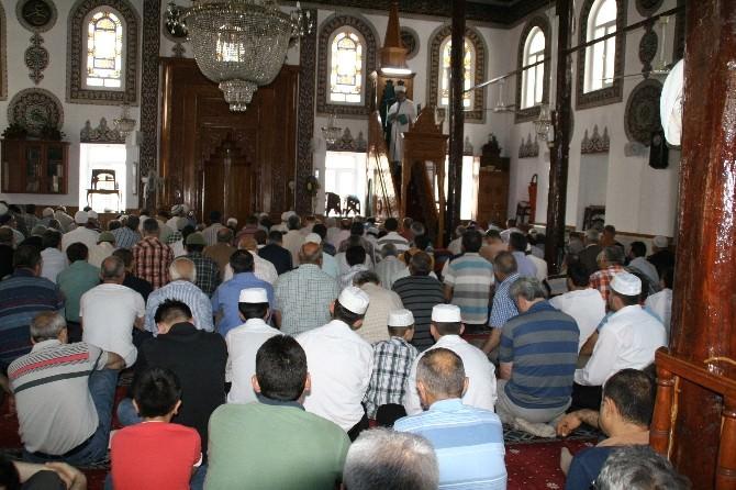 Devrek'te Ramazan Ayı'nı İlk Cuma Namazı Huşu İçerisinde İdrak Edildi