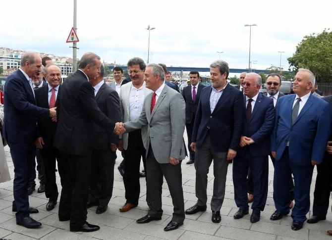 Eyüp Sultan Türbesi Dualarla Açıldı