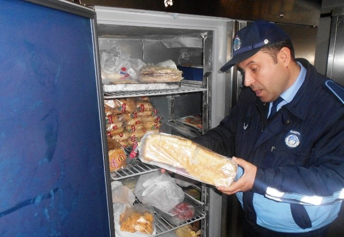Kullanma Tarihi Geçmiş Ekmeklere El Konuldu