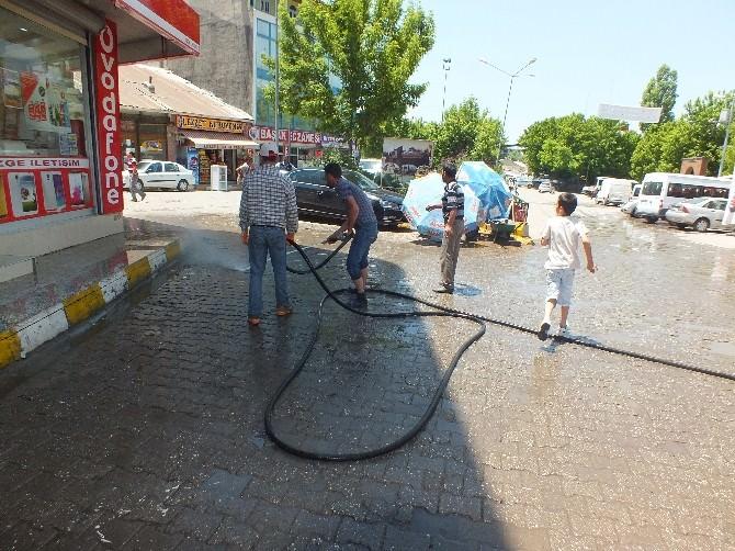 Malazgirt Belediyesi'nden Ramazan Temizliği