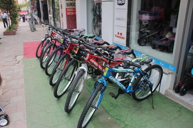 Karne Hediyesi Bisiklet, Teknolojiye Yenik Düştü