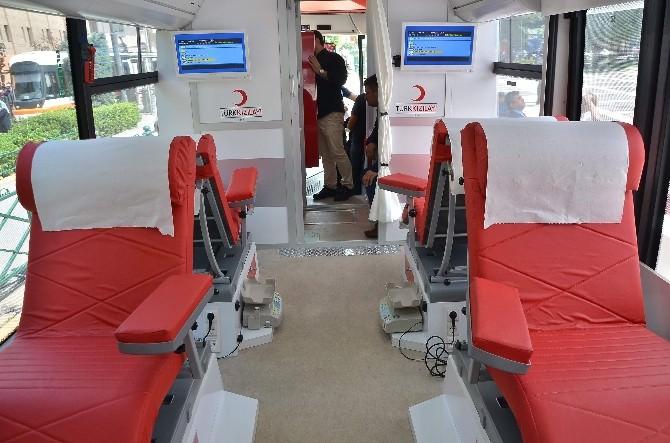Kızılay Batı Anadolu Bölgesine Kan Toplama Otobüsü