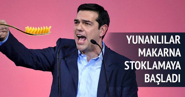 Yunanistan makarnaya saldırdı!