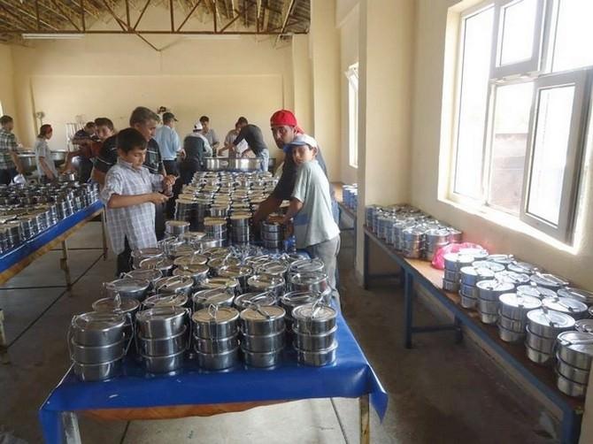 Bolvadin'de Ramazan Ayı Boyunca 3 Bin Kişiye İftar Yemeği Hazırlanacak