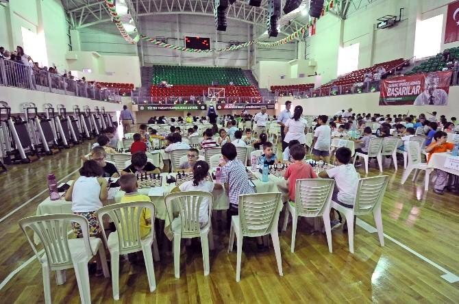 380 Çocuk Satranç Turnuvasında Ter Döktü