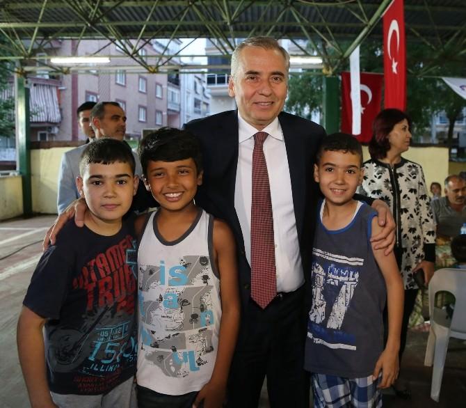 Başkan Zolan Pelitlibağ'da İftar Yaptı