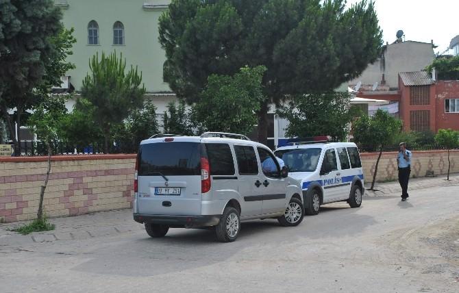Hırsızlar Ramazan Dinlemedi , Caminin Önündeki Aracı Soydular