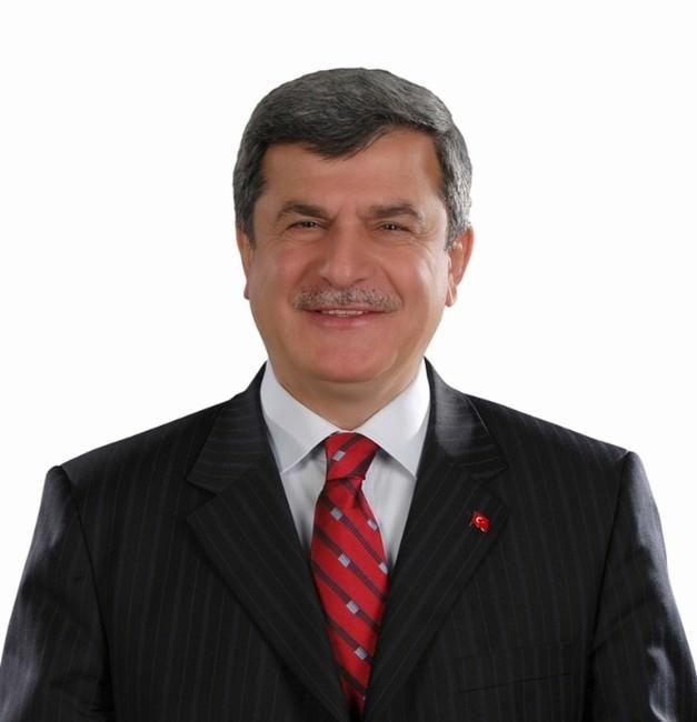 Başkan Karaosmanoğlu , Babalar Günü'nü Kutladı