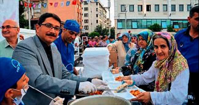 Şehzadeler'de iftar sofraları bereketli