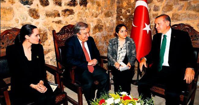 'Türkiye örnek ülke'