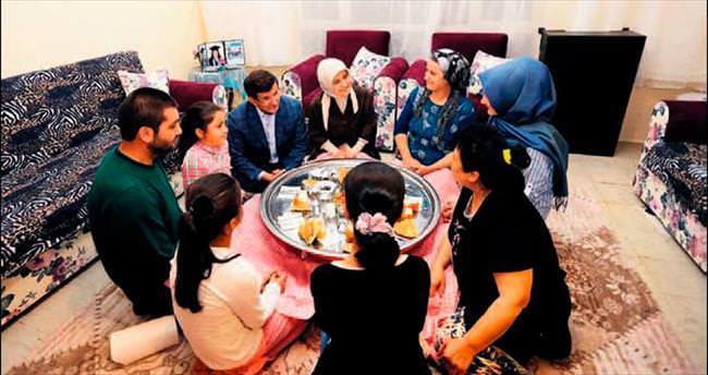 Davutoğlu'ndan sürpriz iftar ziyareti