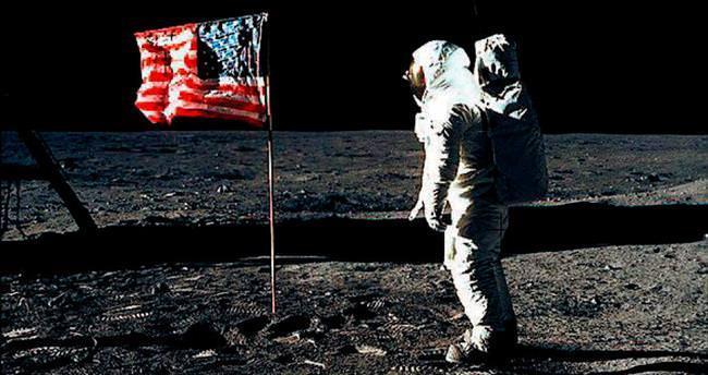 Rusya: Ay'a inişin gerçekliği araştırılsın