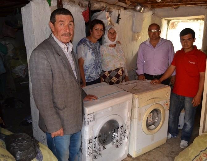 Sel Mağduru Aileye Çamaşır Makinesi Desteği