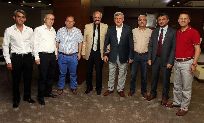 Karaosmanoğlu, Kocaeli Hemşeri Dernekleri Federasyonunu Kabul Etti