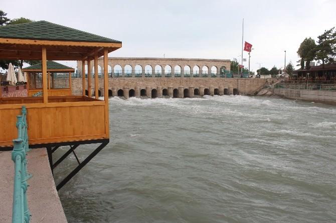 Beyşehir Gölü Konya Ovası'nı Besliyor