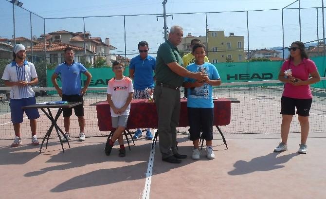 Ortaca'da 'Yaza Merhaba' Tenis Turnuvası Yapıldı