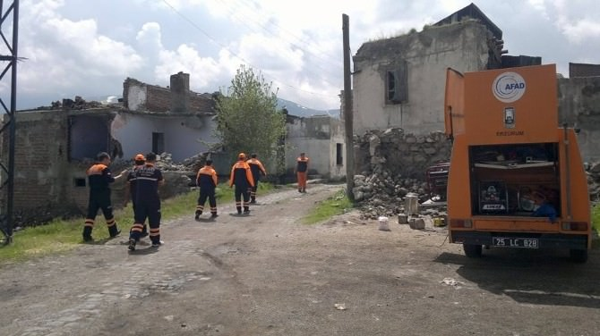 Kaybolan Üç Yaşındaki Azad İçin Arama Çalışmaları Durduruldu