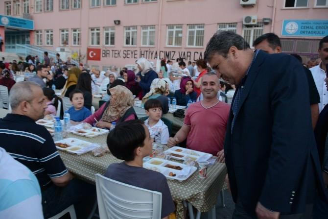Başkan Çerçi Vatandaşlarla İftar Sofrasında Buluştu