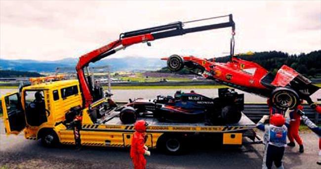 Rosberg Avusturya'da üçledi