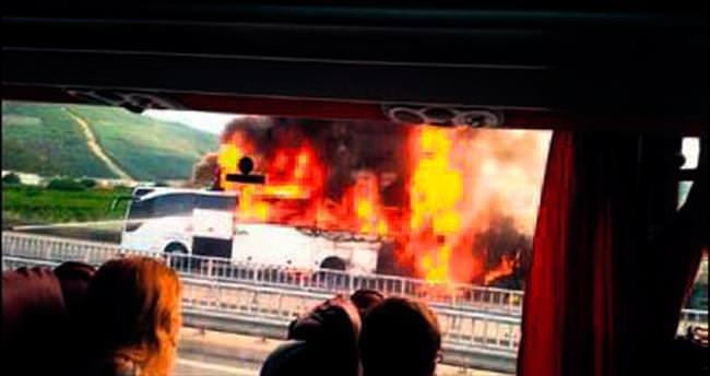 TIR otobüse çarptı: 1 ölü, 26 yaralı