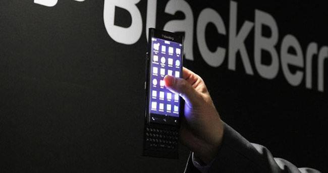 Blackberry ile sürgülü gövde geri dönüyor
