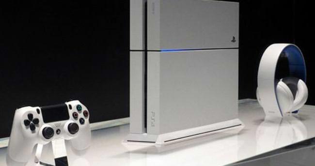 Yeni PlayStation 4 modelleri geliyor!