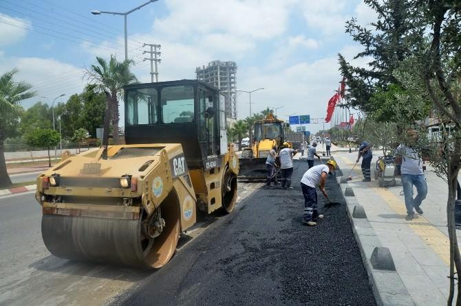 Büyükşehir'den Günde Bin 200 Ton Asfalt Hizmeti
