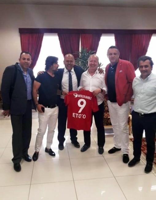 Antalyaspor Heyeti ETO'o İçin Mılano'ya Gitti