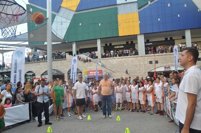 Forum Mersin AVM'de 'Babalar Günü' Etkinliği