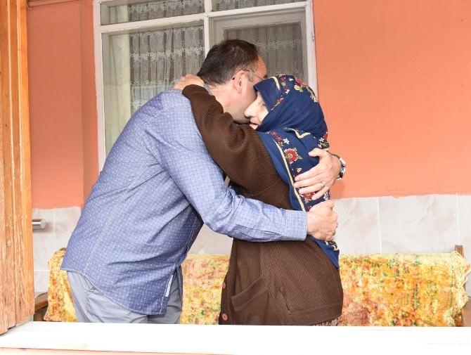 Başkan Üzülmez, Annesinin Hayır Duasını Aldı