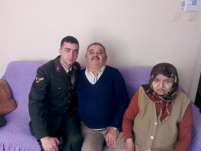 Jandarma'dan Şehit Babalarına Anlamlı Ziyaret