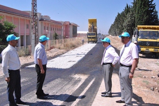Köylerin Yollarının Yapımı Sürüyor
