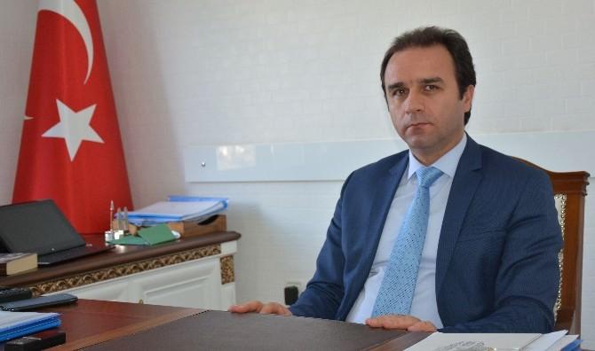 Tatvan SYDV, Bin 100 Aileye Ramazan Yardımı Yapıyor