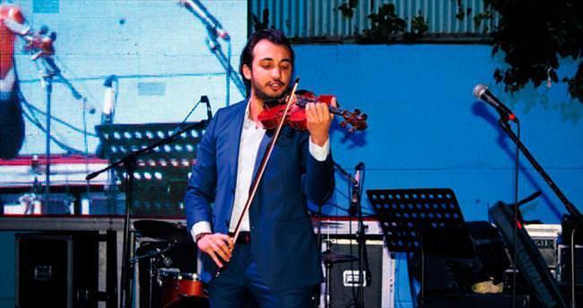 Türk keman virtüözü Yıldırır rekor kırdı