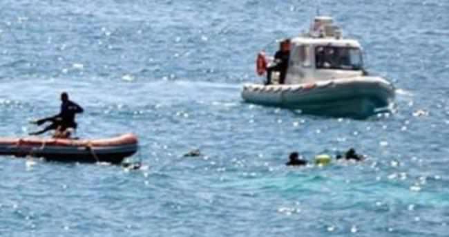 Bodrum'da kaçakları taşıyan bot battı