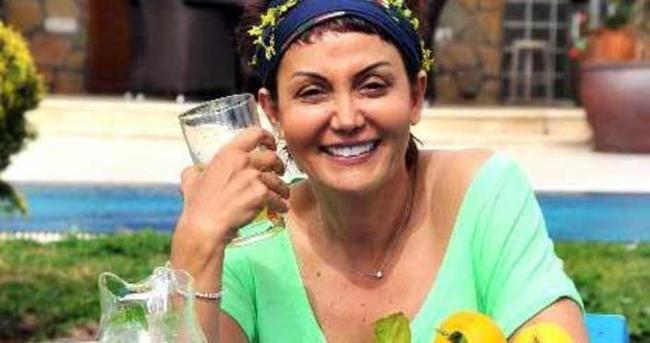 Serap Ezgü kariyerini bırakıp ev hanımı oldu
