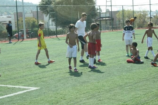 Altınordu Futbol Kulübü Bodrum'da Futbol Okulu Açtı
