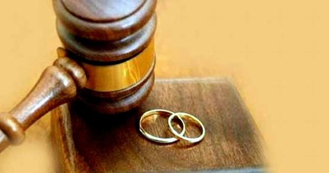 Aydın'da Her 4 Saatte Bir Çift Boşanıyor