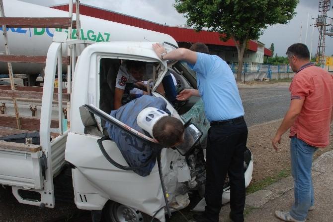 Bayramiç'te Trafik Kazası; 2 Yaralı