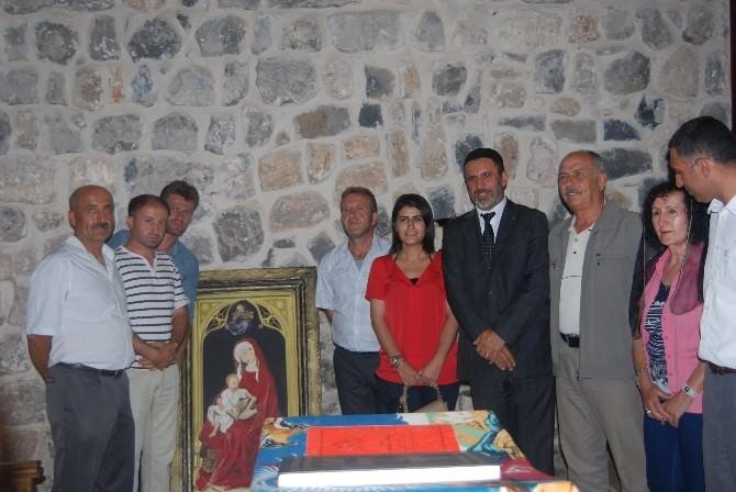 İdil Belediyesi Eşbaşkanları Süryaniler İle İftarda Bir Araya Geldi