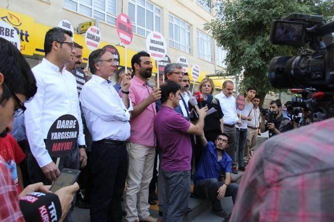 Diyarbakır Barosu'ndan Mursi Ve İhvan Yetkilileri İçin Açıklama