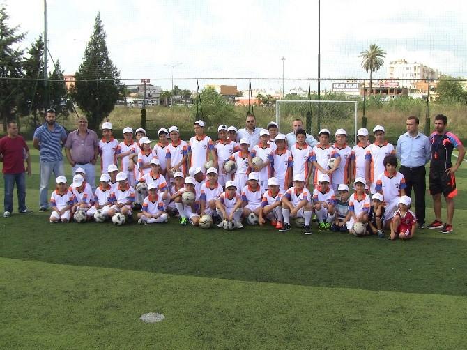 İskenderun Spor Kulübü Futbol Okulu Açtı