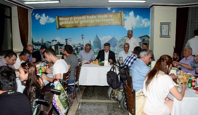 Başkan Akyürek Engellilerle İftarda Buluştu