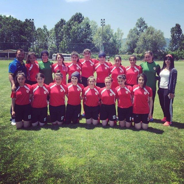 Yozgat'ın Kadın Futbol Takımı Yozgat'ı 3. Ligde Temsil Etmeye Hazırlanıyor