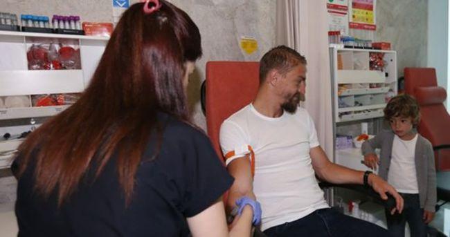 Fenerbahçe'de sağlık kontrolleri sürüyor