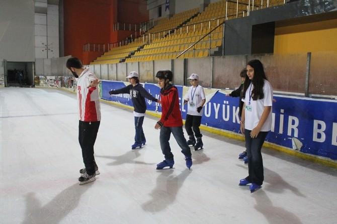 Üstün Yetenekli Öğrenciler Buzda Küresel Isınmayı Öğreniyor
