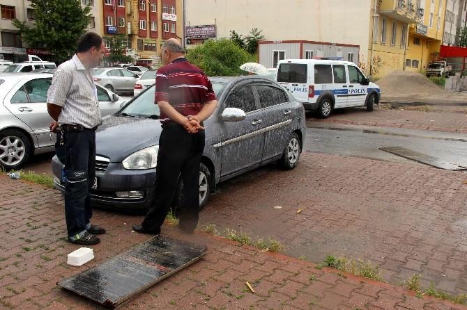 Kayseri'de Şiddetli Yağmur Ve Rüzgar Etkili Oldu