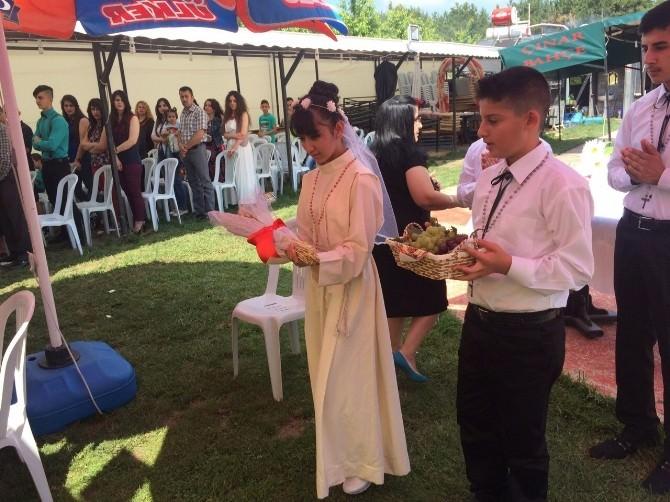 (Özel Haber) Bilecik'te Hristiyan Çocuklara Dini Mezuniyet Töreni